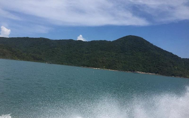 Biển xanh, sóng bạc nơi Cô Tô